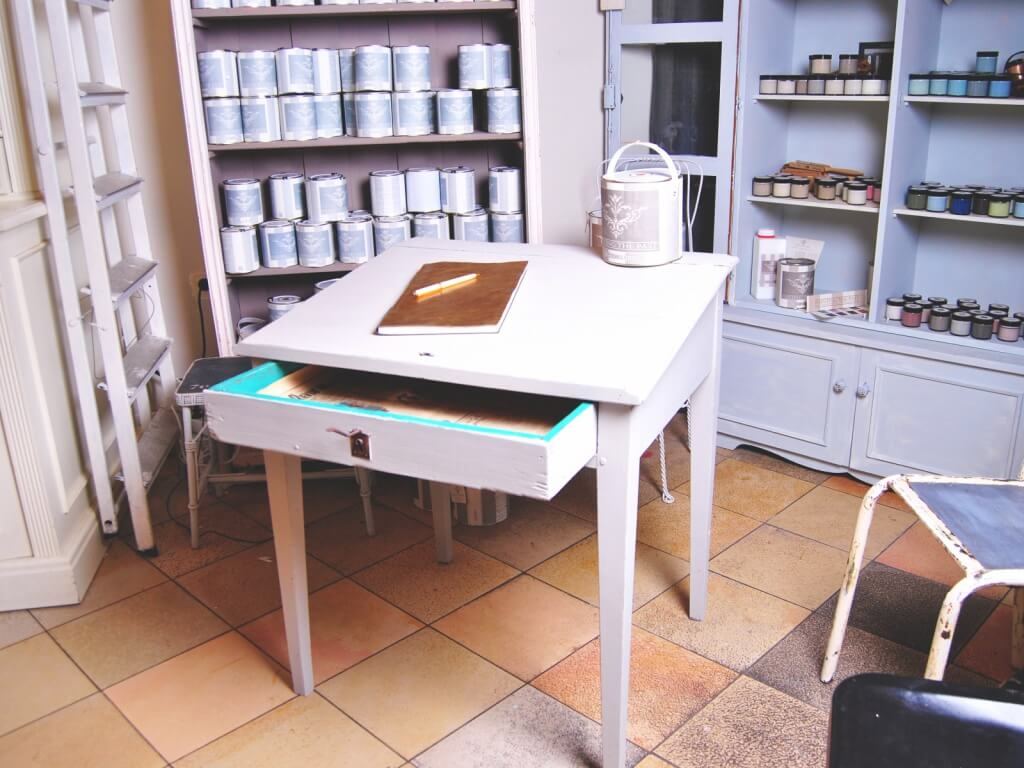 m bel streichen mit painting the past miss pompadour. Black Bedroom Furniture Sets. Home Design Ideas
