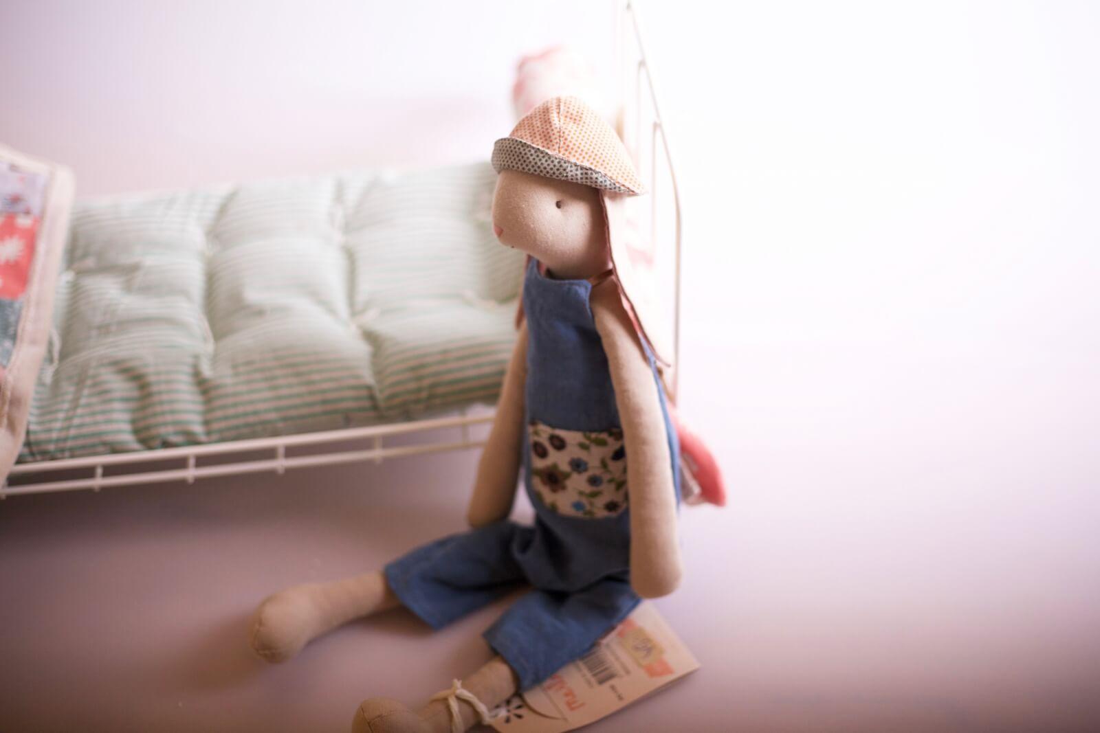 Maileg Bunny mit Hut Blau