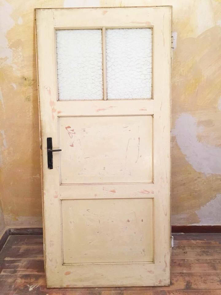 Türen Streichen Mit Kreidefarbe  Auf Lackierten Türen