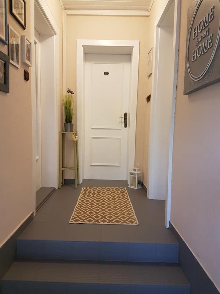 Deswegen wurden die Türen gestrichen mit MissPompadour Weiß mit Schmelz in der Qualität Stark & Schimmernd.