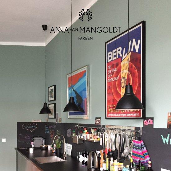 anna_von_mangoldt-kreidefarbe-bitter-zart-150
