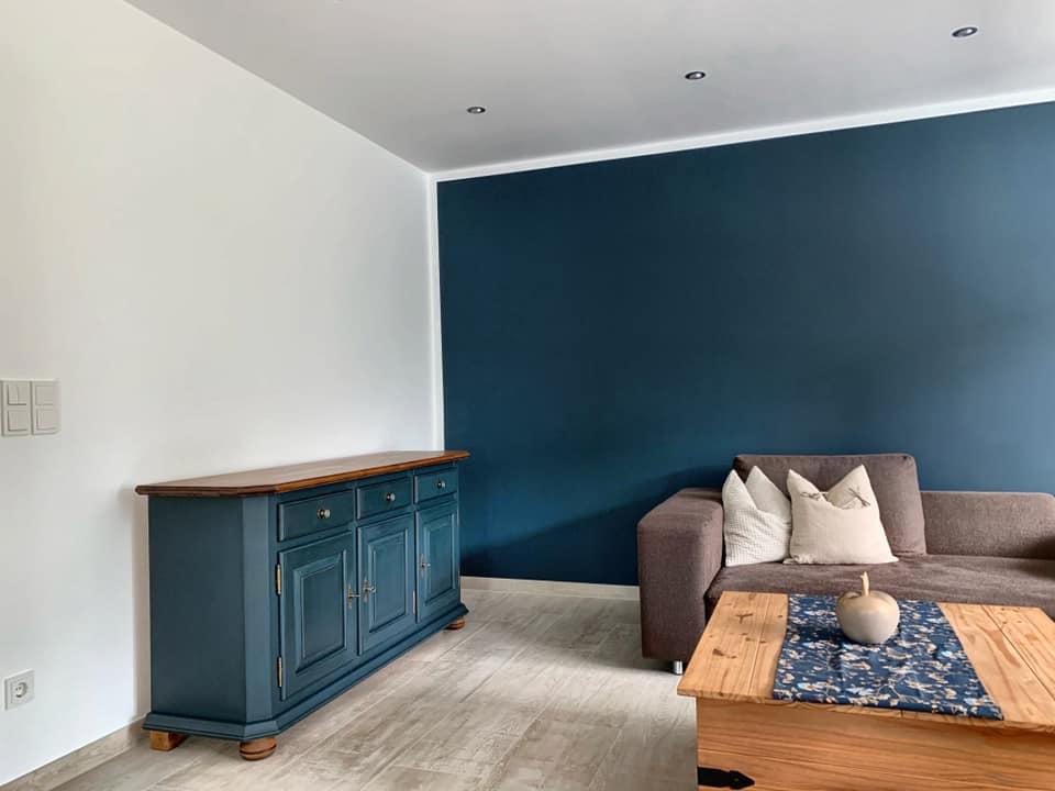 Wand streichen Kundenbild Wohnzimmer mit Painting the Past Ink Kreidefarbe