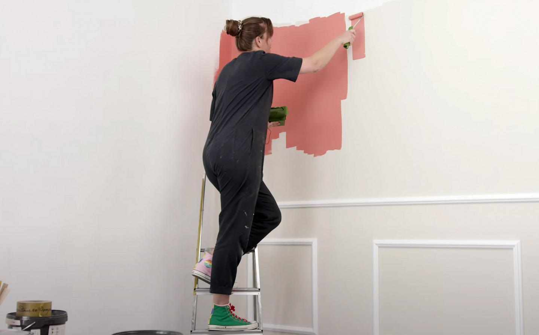 Wand streichen mit Rolle Schritt für Schritt erklärt